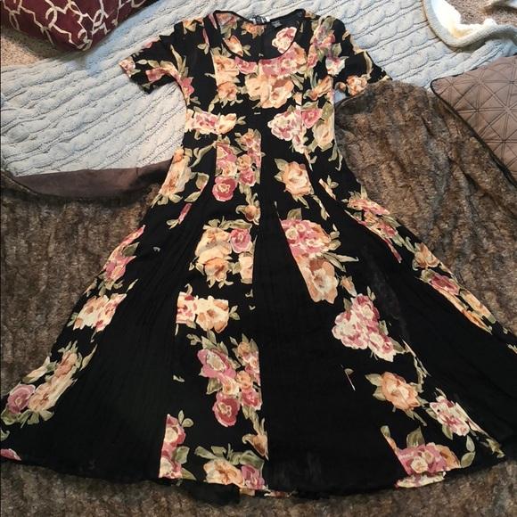 b670654412 Bila Dresses | Beautiful Floral Boho Maxi Dress | Poshmark